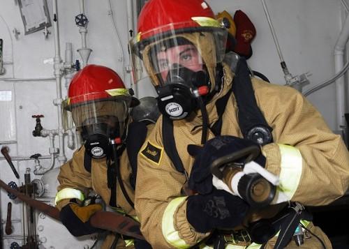 Bảo vệ tính mạng an toàn nhờ mặt nạ phòng độc có bình dưỡng khí